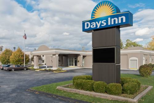 Darien Lake invites you to get away together with your family this summer! Spend some time and reconnect with those that are closest to you. Darien Lake Vacations offer a variety of lodging packages – all including Park admission – within steps from Western New York's Favorite Family Fun Destination – at a GREAT VALUE!