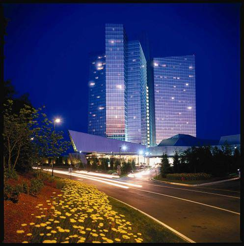 Mohegan Sun - Connecticut romantic getaways