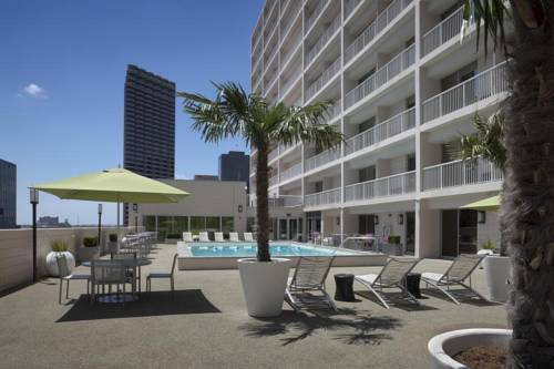 Holiday inn new orleans downtown superdome new orleans for Hotels near mercedes benz superdome
