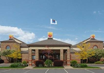 Hotels Near I-90 and I-86 in North East, PA