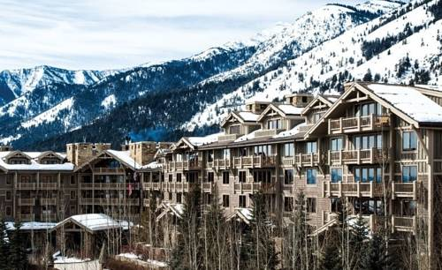 Hotels Near Jackson Hole Airport in Jackson, WY