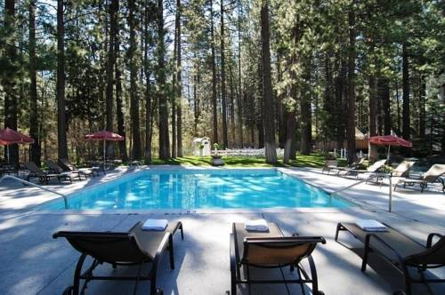 Located in Big Bear Lake is the BEST WESTERN Big Bear Chateau