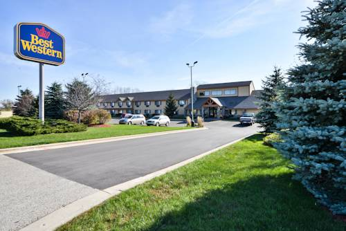 Discounted Hotels & Accommodations in Pewaukee, WI