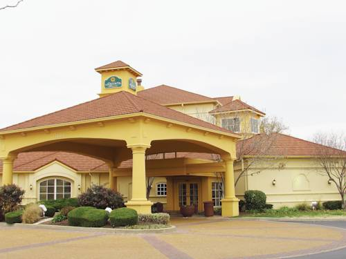 Chesterfield Mo Hotels With Jacuzzi In Room