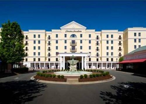 Hampton inn suites charlotte southpark at phillips place for Charlotte motor speedway condo rental