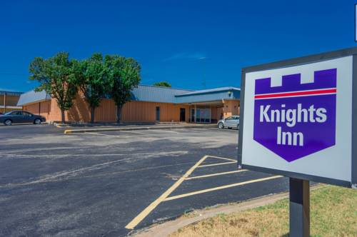 Knights inn lawton lawton oklahoma ok for Outdoor swimming pool near slough