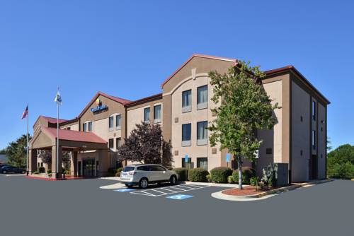 comfort inn suites at stone mountain stone mountain. Black Bedroom Furniture Sets. Home Design Ideas