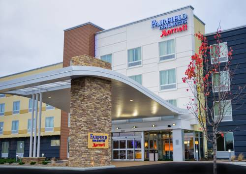 Fairfield Inn Amp Suites Canton South Canton Ohio Hotel