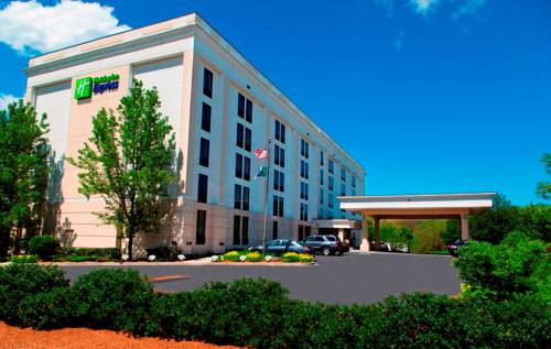 Hotels Near I-495 MA Exit 42 in Lawrence on
