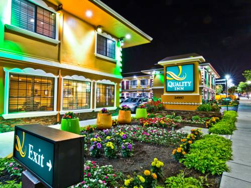 Hotels Near California State University-East Bay in Hayward, CA
