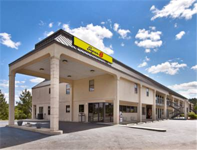 Super 8 by wyndham richburg chester area richburg south for Motels close to charlotte motor speedway