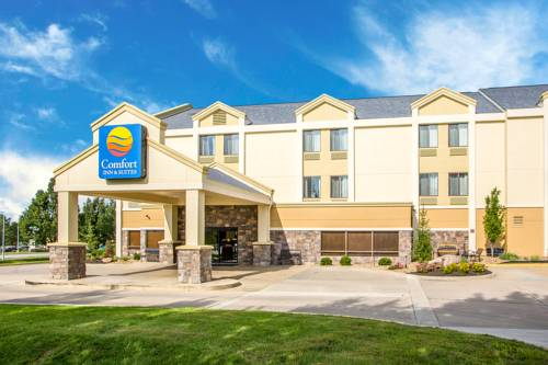 Comfort inn suites kansas city northeast kansas city missouri mo for Olive garden blue springs missouri