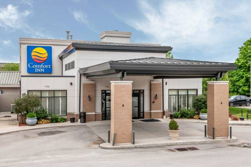Comfort inn bloomington near university bloomington for Cabins near bloomington indiana