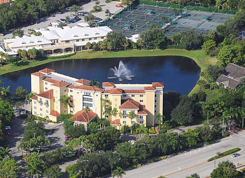 Inn At Pelican Bay - Florida romantic getaways