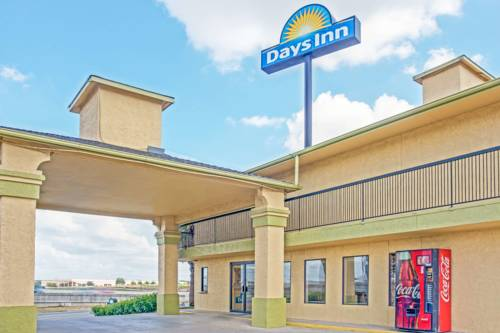 Days Inn By Wyndham Morgan S Wonderland Ih 35 N San