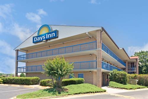 Days inn by wyndham charlotte northlake charlotte for Motels close to charlotte motor speedway