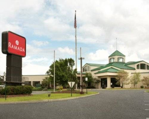 Hotel Near Woodbury Outlet Mall New York