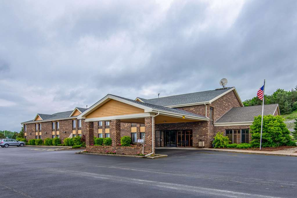 Discounted Hotels Accommodations In Tully NY