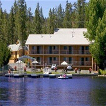 Located in Big Bear Lake is the Big Bear Lakefront Lodge