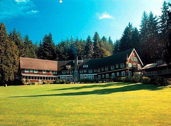 Lake Quinault Lodge - Washington romantic getaways