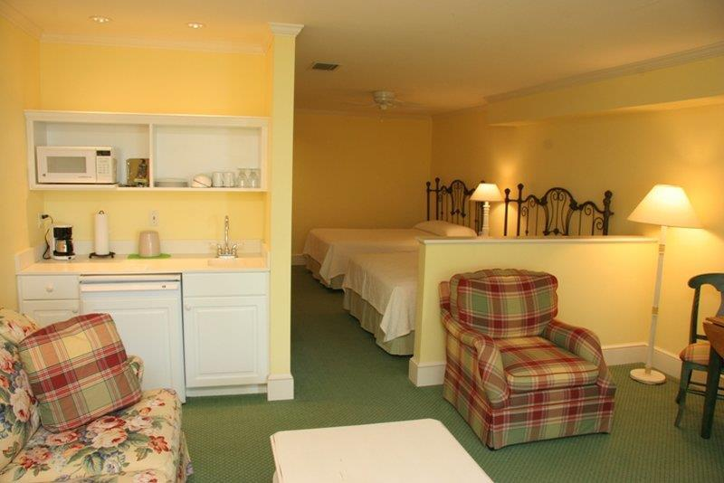 Summer House Suite