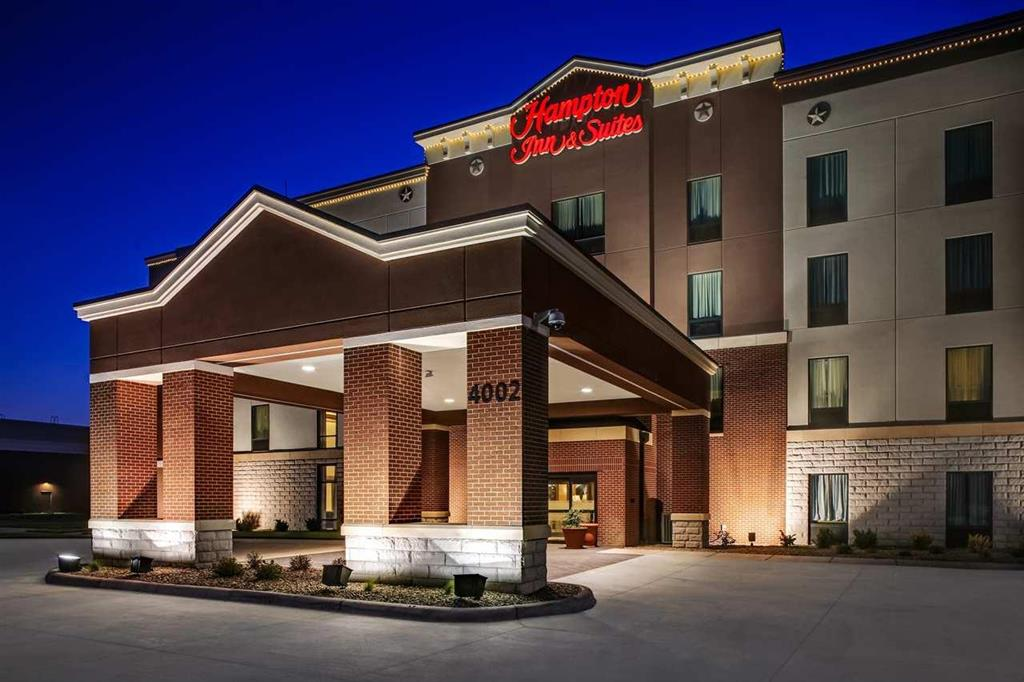 hampton inn suites dodge city ks dodge city kansas ks. Black Bedroom Furniture Sets. Home Design Ideas