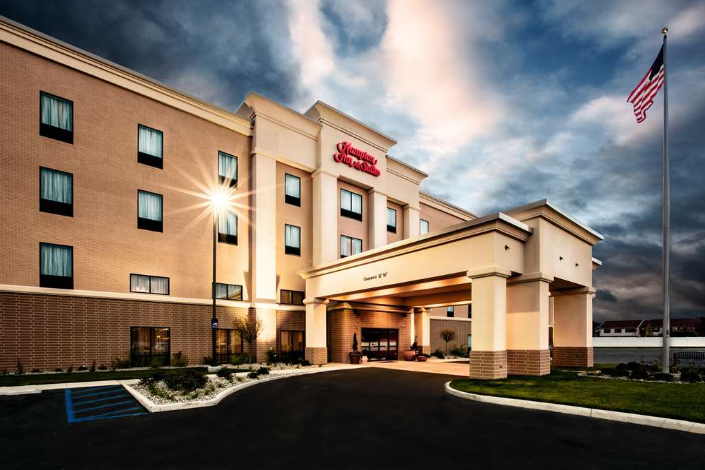 Hotels Near I-75 and I-475 in Toledo, OH