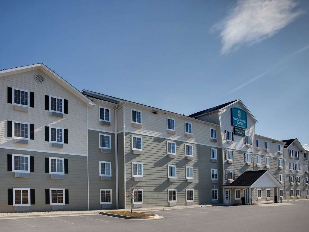 WoodSpring Suites Washington DC Andrews AFB Exterior x