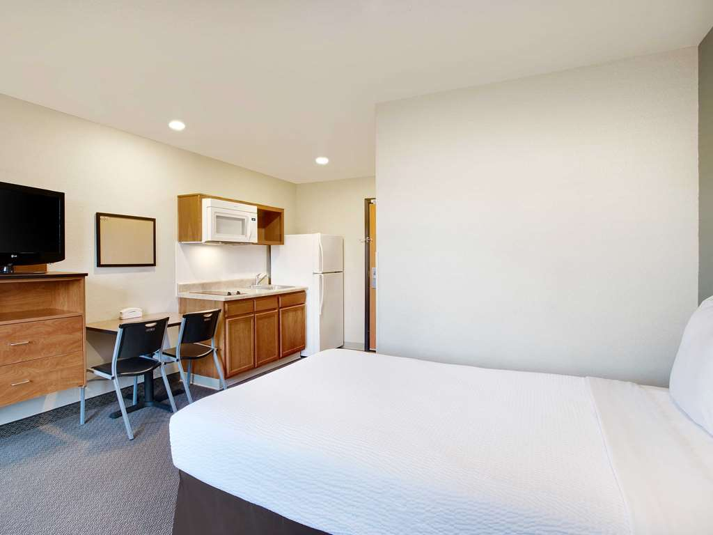 WoodSpring Suites Washington DC Andrews AFB One Bed Studio x