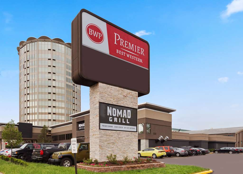 Hotels Near Sinai-Grace Hospital in Detroit, MI