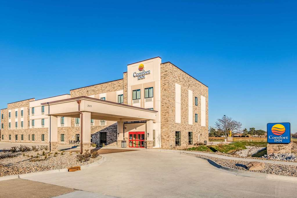 Hotels Near I 35 And I 80 In Des Moines Ia